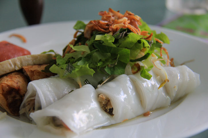 Banh Cuong Nong or Pork and Mushroom stuffed into fluffy rice rolls