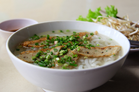 vietnamese thick noodle soup with fish cake