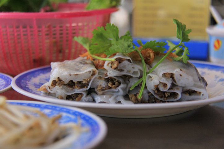 An a z travel guide to vietnamese food vietnamenu banh cuon forumfinder Choice Image