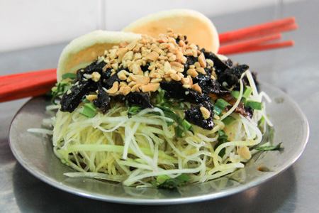 Goi Du Du or Vietnamese Green Papaya Salad